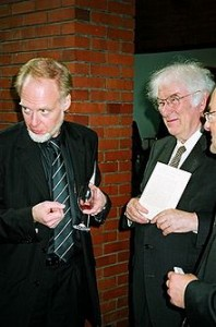 Seamus Heaney  a destra e Tony Milosz Ph. by Mariusz Kubik