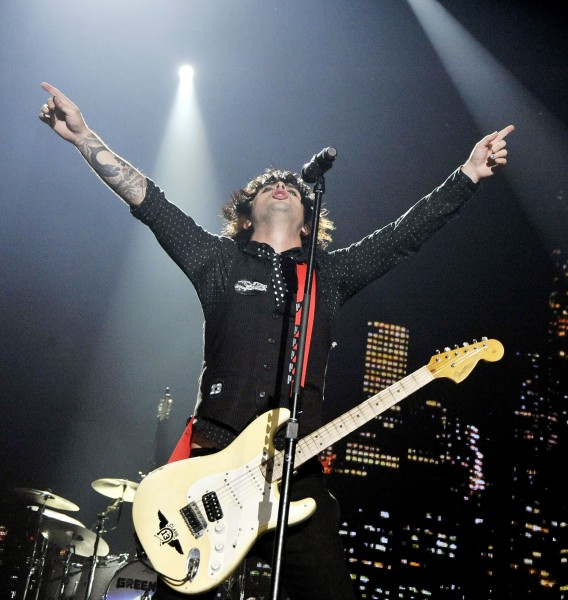 Green Day and Franz Ferdinand Perform at the Forum