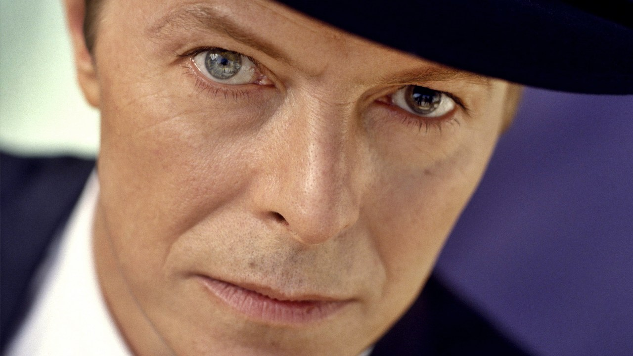 http://www.culturaeculture.it/wp-content/uploads/2014/05/david-bowie.jpg