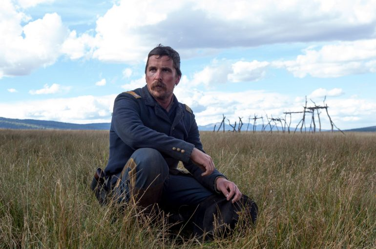 Hostiles: recensione. Al cinema c'è Christian Bale